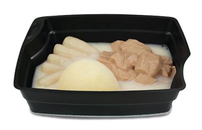 Passiertes Menü Nr. 22 in der Schale: Kalbsgulasch, Schwarzwurzel, Kartoffeln