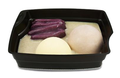 Passiertes Menü Nr. 10 in der Schale: Königsberger Klopse, Rote Beete, Kartoffeln
