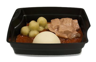 Passiertes Menü Nr. 5 in der Schale: Rindergulasch, Rosenkohl, Nudeln