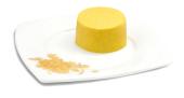 Passierte Kartoffel-Timbale, auf einem Teller angerichtet
