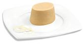 Passierte Gyros-Timbale, auf einem Teller angerichtet