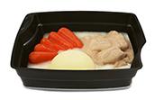Passiertes Menü Nr. 1 in der Schale: Geflügelragout, Karotte, Kartoffeln