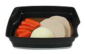 Passiertes Menü Nr. 27 in der Schale: Schweinesteak, Karotten, Kartoffeln