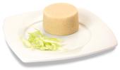 Passirte Backobst-Timbale, auf einem Teller angerichtet